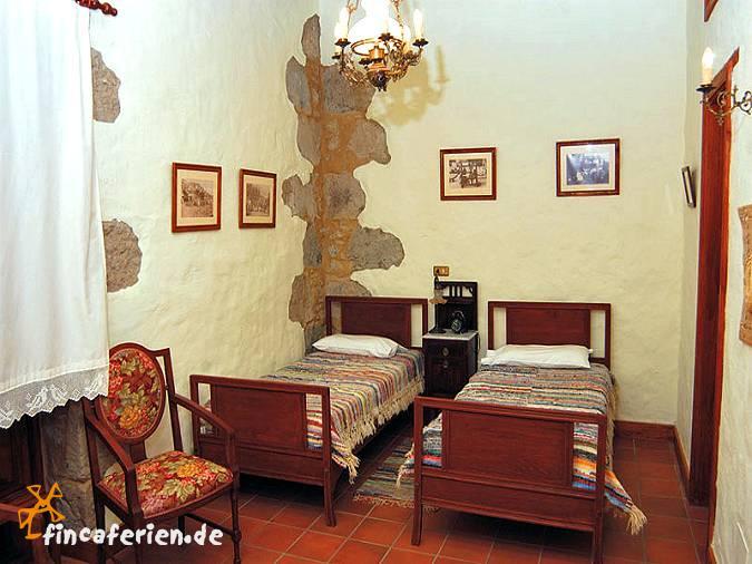 ferienhaus gran canaria mit whirlpool bei moya fincaferien. Black Bedroom Furniture Sets. Home Design Ideas
