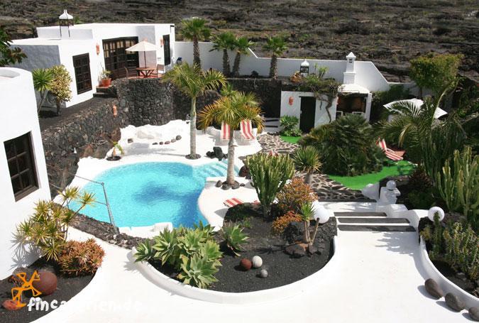 Lanzarote villa mit pool f r 6 personen entworfen von - Casa de cesar manrique lanzarote ...