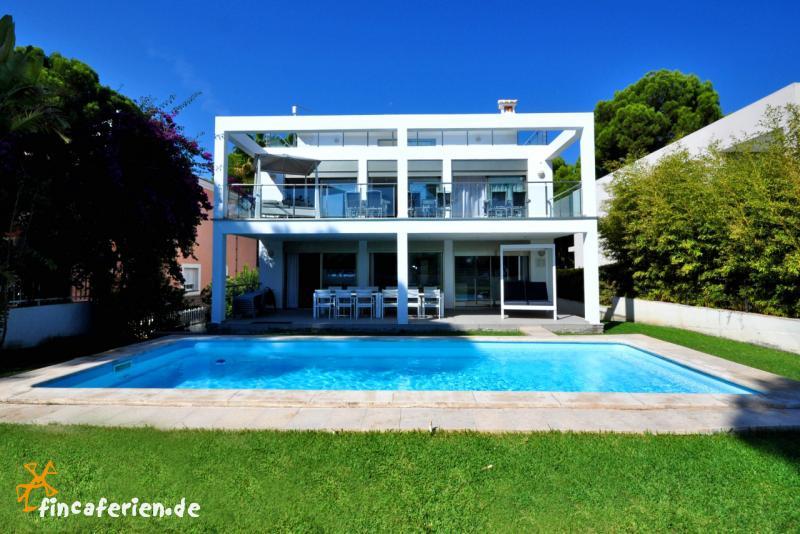 mallorca ferienhaus am strand eingez unter pool fincaferien. Black Bedroom Furniture Sets. Home Design Ideas