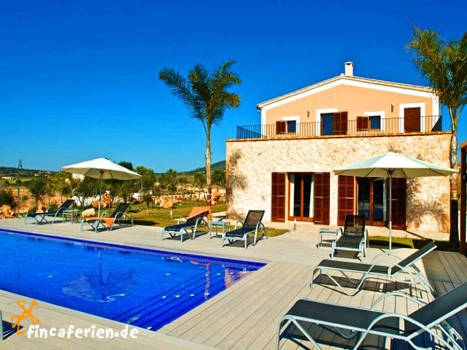 Mallorca exklusives Ferienhaus mit Pool und Klimaanlage für 14 ...