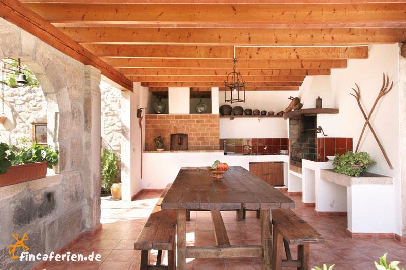 Aussenküche Gemauert mallorca finca mit pool und garten zwischen pollenca und
