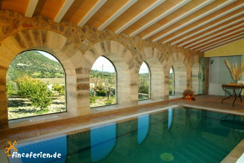 finca hotel mallorca mit pool tennisplatz sauna internet fincaferien. Black Bedroom Furniture Sets. Home Design Ideas
