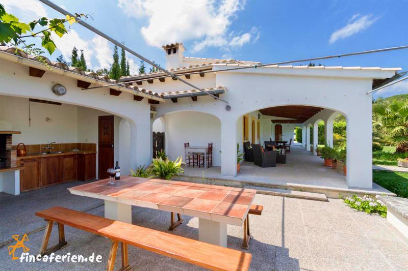 Außenküche Mit Kindern : Mallorca ferienhaus mit pool bei pollenca fincaferien