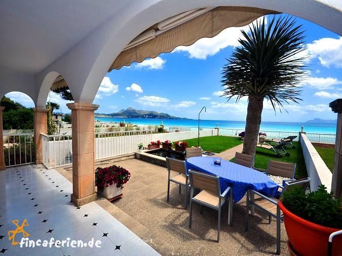apartment mallorca direkt am strand von alcudia f r 6. Black Bedroom Furniture Sets. Home Design Ideas