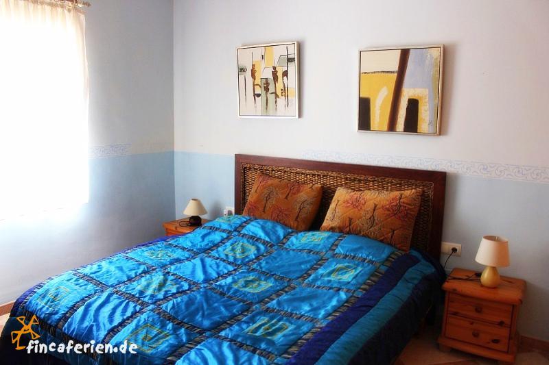 andalusien ferienvilla in alleinlage mit pool und meerblick fincaferien. Black Bedroom Furniture Sets. Home Design Ideas