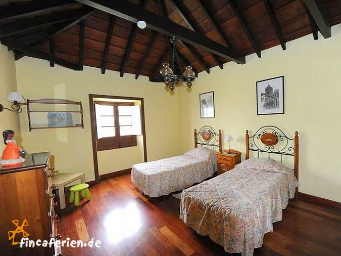 Teneriffa ferienhaus mit meerblick und zentralheizung 3 for Spanische einrichtung