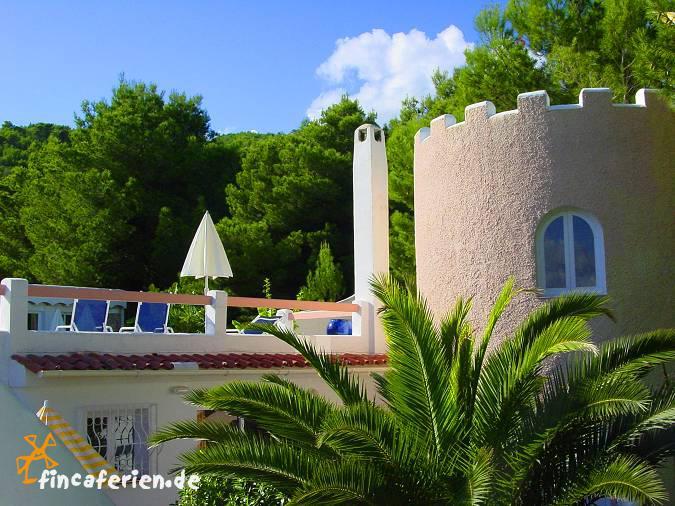 Dusche Mit Gemauerter Sitzbank : Ibiza strandnahes Turmapartment mit Dachterrasse, Meerblick und Pool