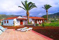 3 komfortable Ferienhäuser mit Pool (Nr. 0772)