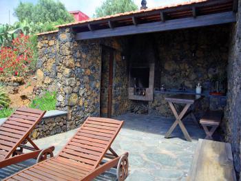 Grillecke und Terrasse