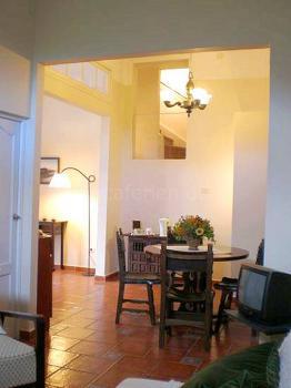 Wohnzimmer (unten)