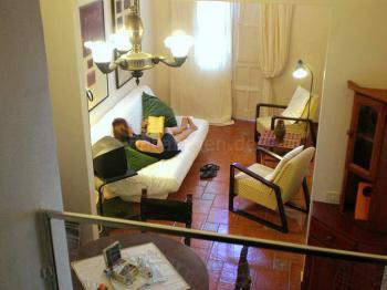 Wohnzimmer mit Essplatz (unten)