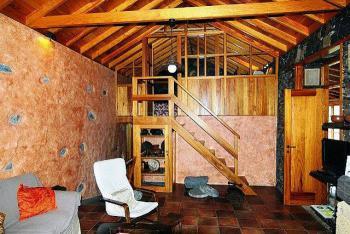 Wohnzimmer und Schlafempore