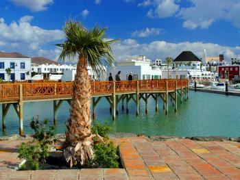 Der Hafen von Playa Blanca