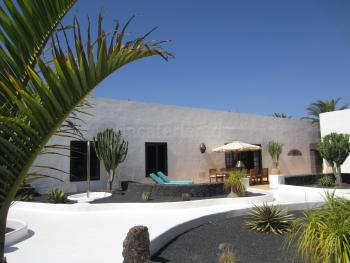 Exklusives Ferienhaus in Tequise