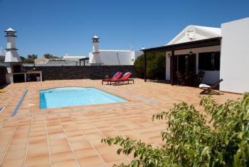 Ferienhaus mit Pool bei San Bartolome