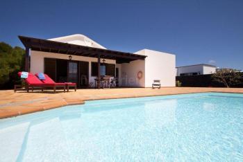 Lanzarote-Ferienhaus mit Pool