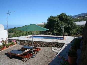 Kanarisches Ferienhaus mit Pool