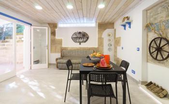Studio Wohn- und Essbereich