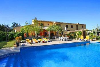 Privates Ferienhaus mit Pool