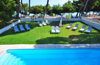 Strandnahes Ferienhaus für 12 Personen