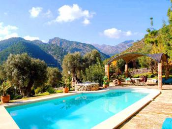 Finca Hotel mit Pool