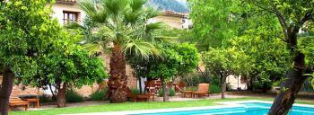 Garten mit mehreren Sitzecken