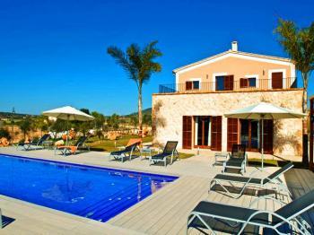Exklusives Ferienhaus mit Pool