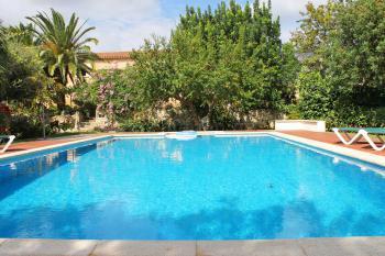 Landhotel mit Pool und Gartenanlage