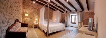 Junior-Suite mit Himmelbett und Schlafsofa