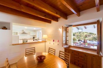 Essplatz und offene Küche