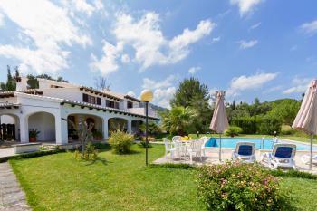 Ferienhaus mit Pool für 4- 6 Personen