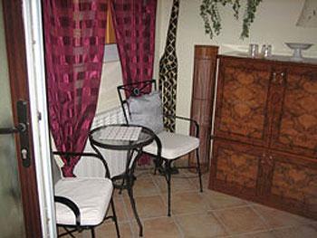 Kleine Sitzecke im Gästezimmer