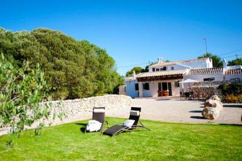 Ferienhaus Menorca mit Garten