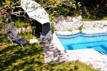 Kleine Finka-Anlage mit Pool
