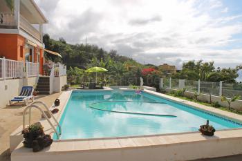 Studio mit beheizbarem Pool und Meerblick