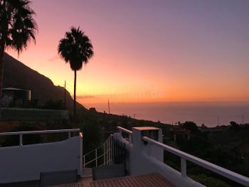 Traumhafte Sonnenuntergänge und Meerblick