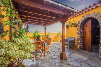 Überdachte Terrasse - Eingang Bodega