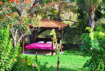 Garten und Chill-Lounge